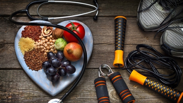 6 Health Hacks to Keep Your  Cholesterol Levels in Check