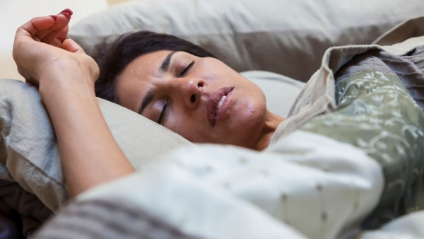 Common symptoms of sleep apnea, include snoring, disrupted sleep and fatigue.