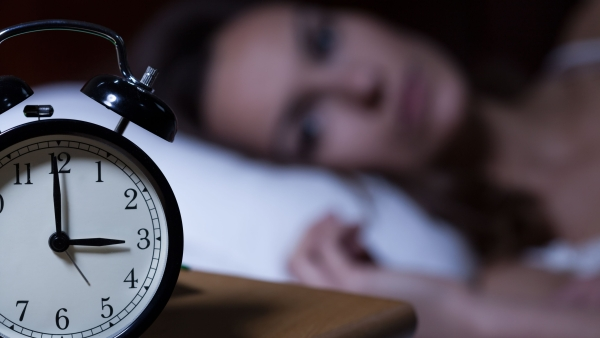 People who sleep less than seven hours each night are at higher risk of developing cardiovascular disease.