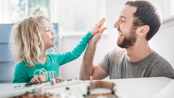 Fathers experience more well-being and satisfaction than mothers in their parenthood and even when interacting with their children.
