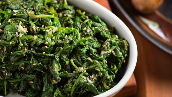 Want Spinach? Here's How You Can Make it Taste Good!