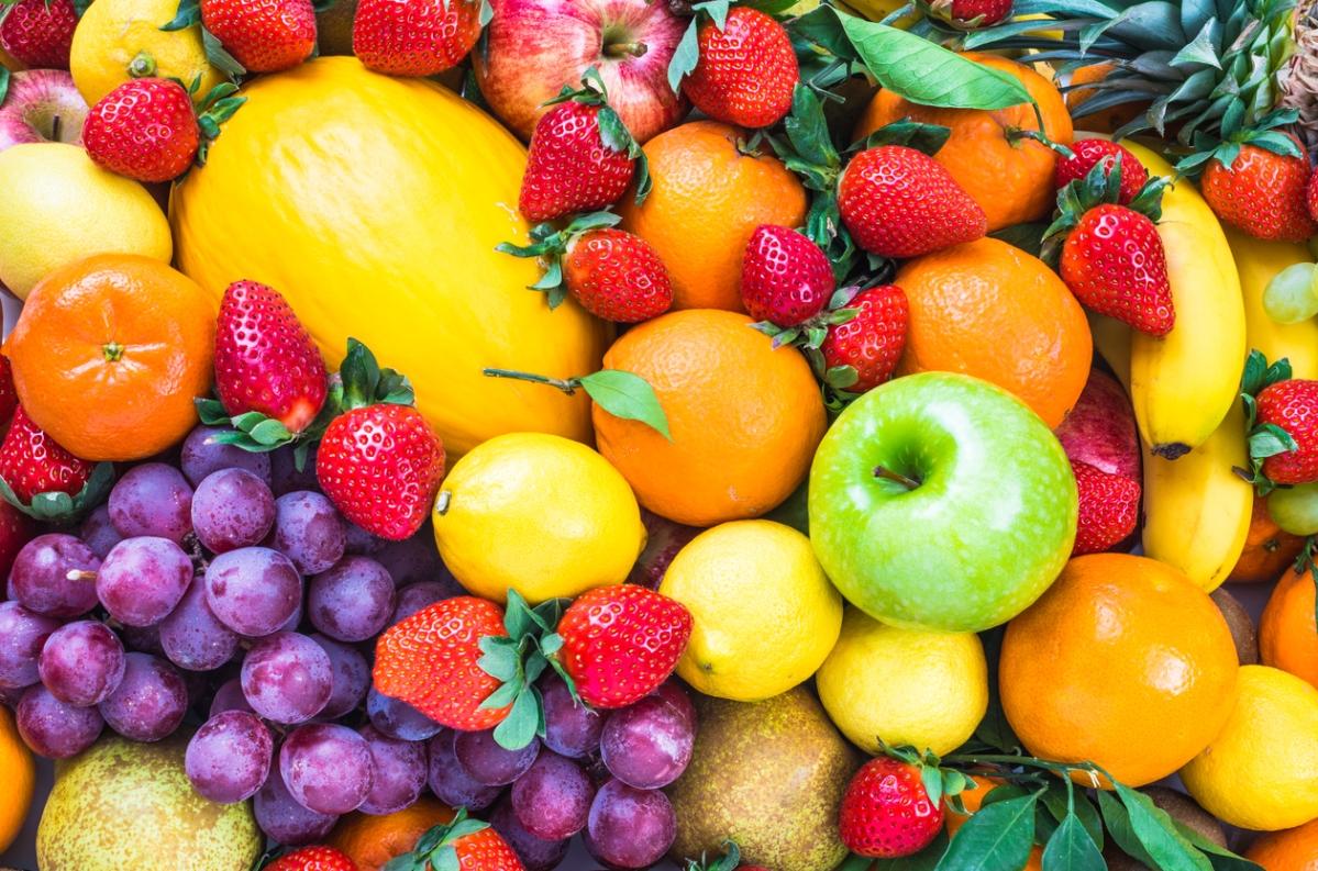 फलों और सब्जियों को एंटीऑक्सिडेंट से भरा जाता है जो शरीर की प्राकृतिक रक्षा प्रणाली हैं।