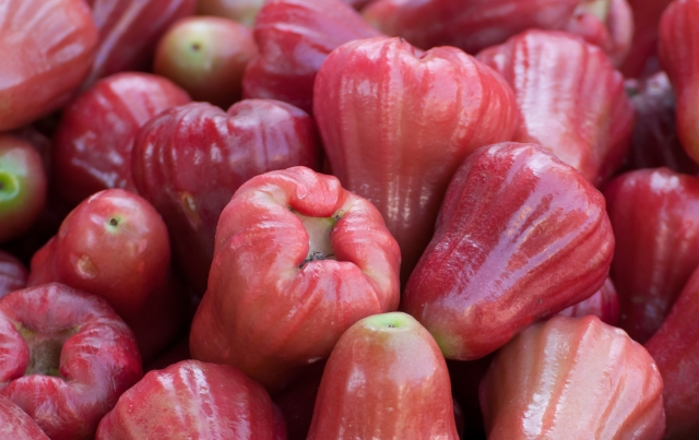 Jambu helps in curing stomach problems.