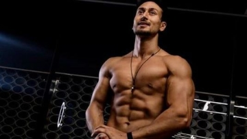 Tiger Shroff Workout Routine: Tiger Shroff is effortlessly agile and extremely flexible.