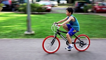 The study's findings suggested children who actively commuted to school had lower body fat and were less likely to be overweight or obese.