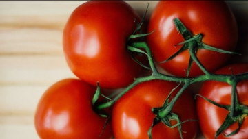 Tomatoes are rich in lycopene- a strong antioxidant, anti-inflammatory and anti-cancer agent.