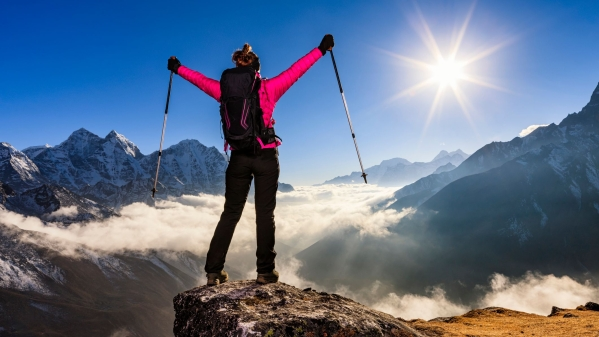 From dizziness to potential coma: here's all the potential health hazards that the body can be confronted with when it's on the mountains.