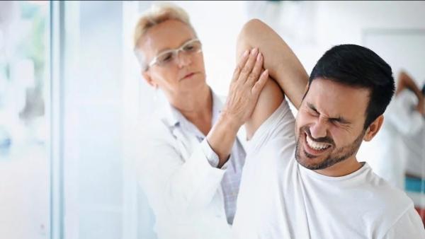 कंधे की अकड़न (फ्रोजन शोल्डर) और मांसपेशियों व जोड़ो के दर्द का संबंध डायबिटीज से हो सकता है.