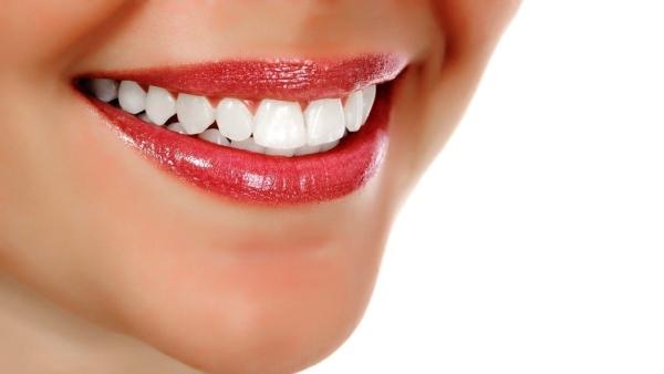 हर 10 भारतीय में से एक, सेंसेटिव दांत के कारण दर्द का शिकार होता है.