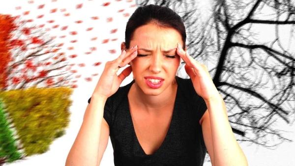 ब्लड ग्लूकोज जितने लंबे समय तक हाई रहता है इसके लक्षण उतने ही गंभीर होते जाते हैं.