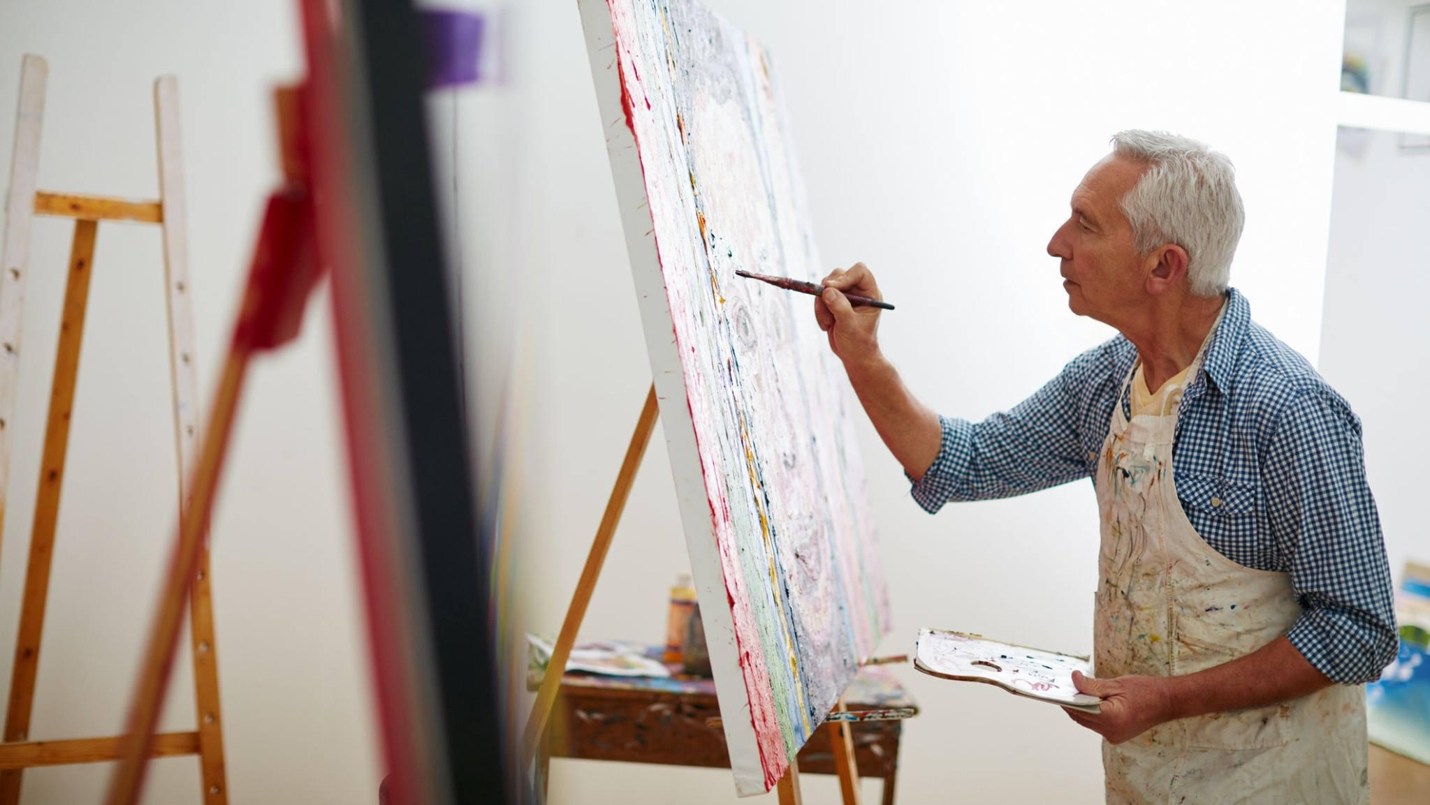 Drawing Better Than Writing for Retaining Memory For Older Adults