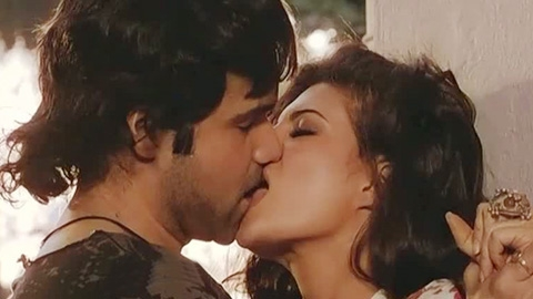 Emraan Hashmi Kissing Videos