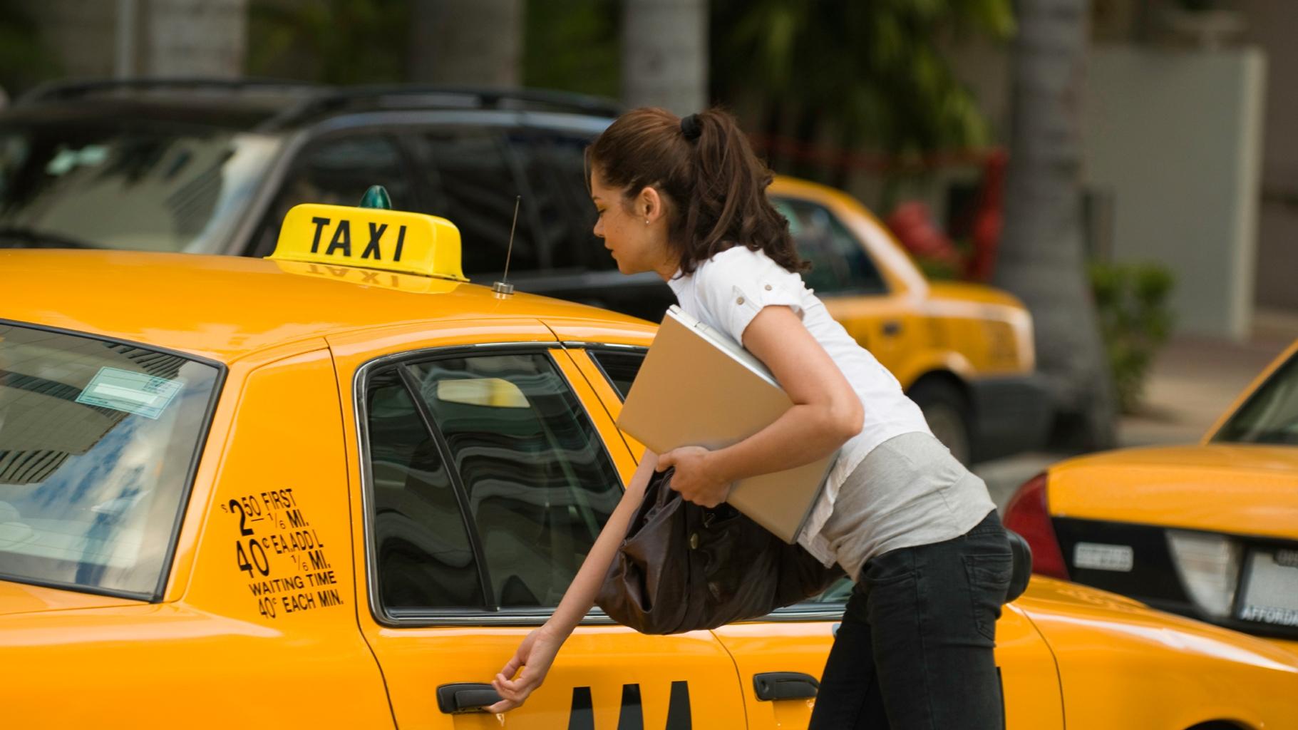Домогание таксиста видео, телки со здоровыми членами