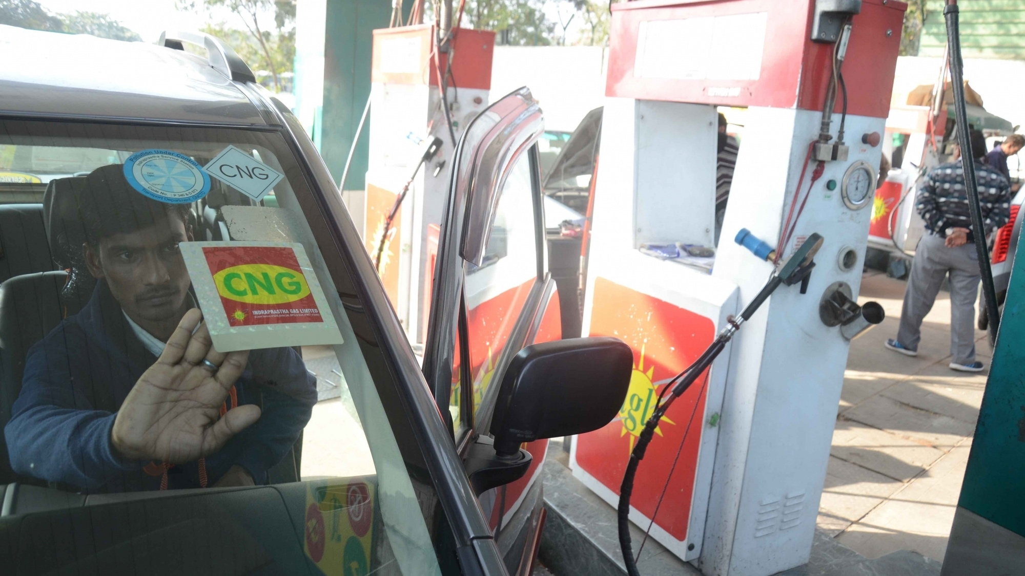 cng success in delhi Three-wheelers, and taxis—to compressed natural gas (cng) broadly, the results point to the success of a number of policies implemented in delhi but also to a number of areas of growing concern.