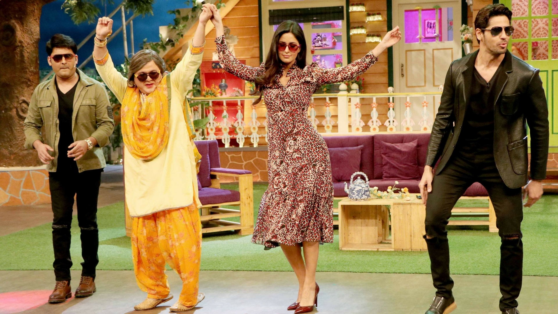 In Pics: Kat and Sid Shake A Leg on 'The Kapil Sharma Show'