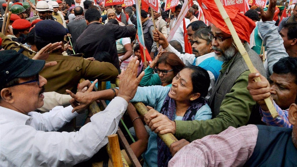 bharat bandh Bharat bandh: certain groups had called for bharat bandh on 10 april to protest against caste-based reservation in jobs and education over 100 people were detained in bihar.