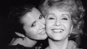 Actor Debbie Reynolds Follows Daughter Carrie, Twitter Grieves