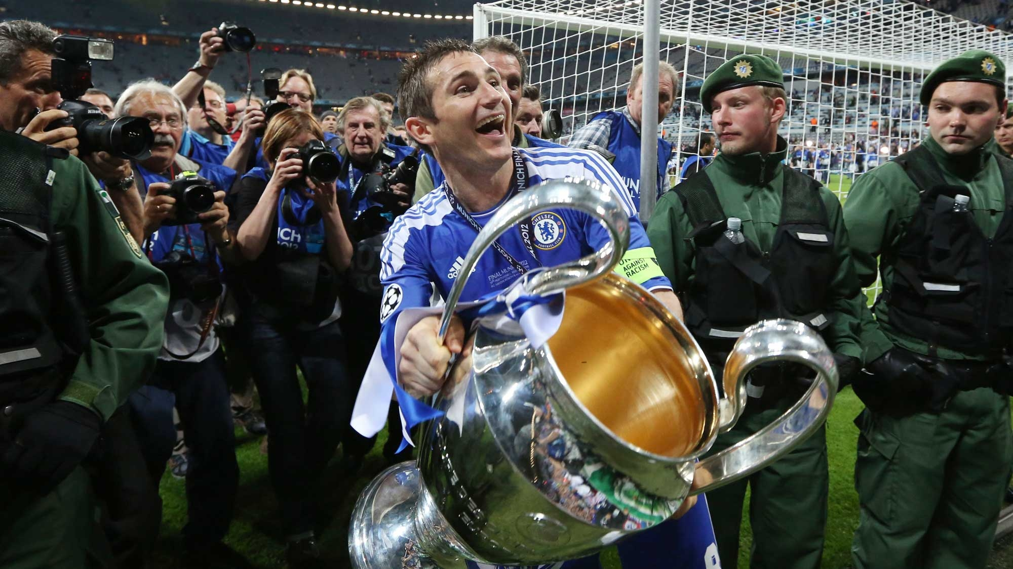 Former England and Chelsea Midfielder Frank Lampard Retires at 38