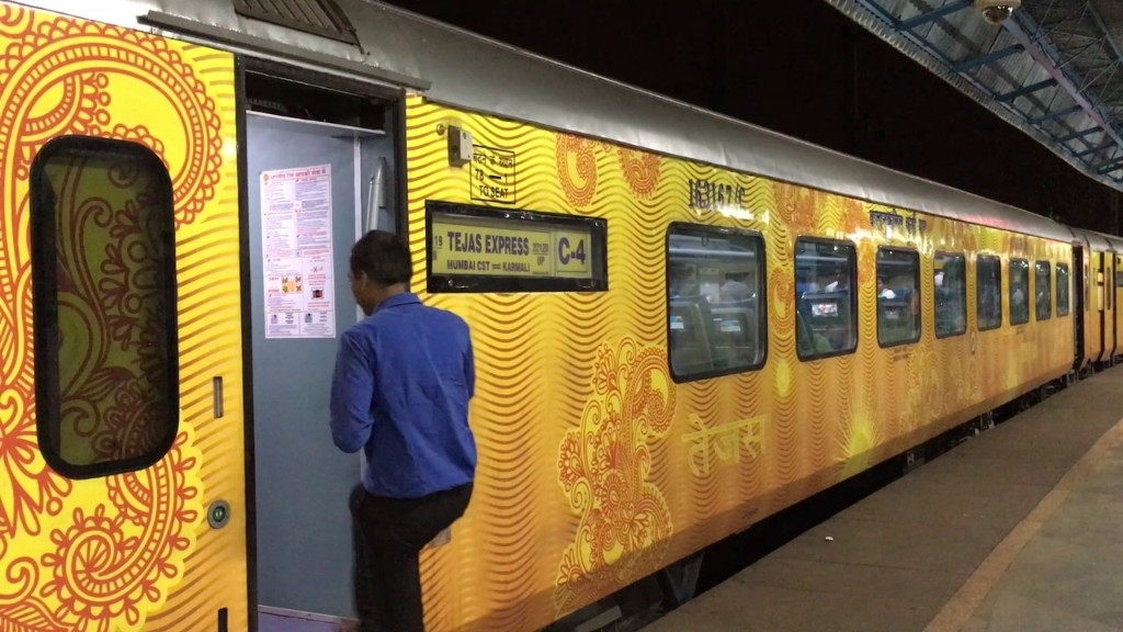 IRCTC to Pay Rs 1.62 L Compensation for Tejas Express Running Late