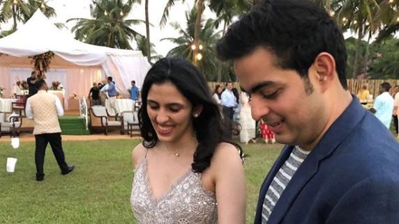 Gift To Fiance Before Wedding: Akash Ambani Engaged: Son Of Mukesh Ambani, Engaged To