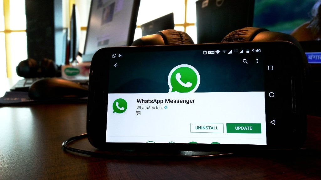 Dark Mode Again Spotted For WhatsApp on Android, Could Launch Soon