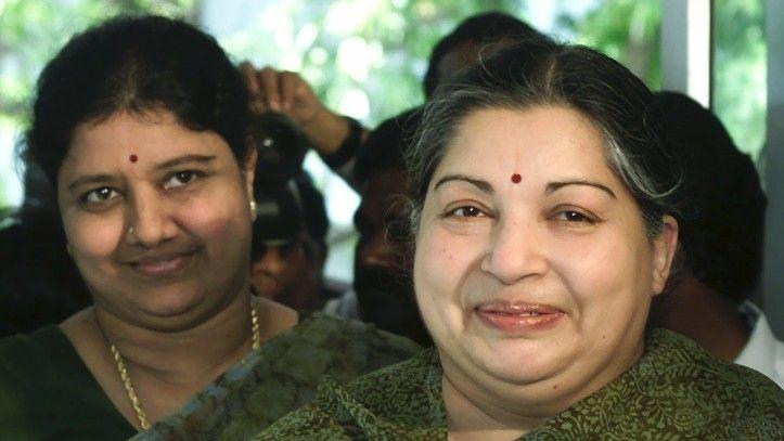 Sasikala 'Fed Slow Poison' to Jayalalithaa, Says AIADMK Minister