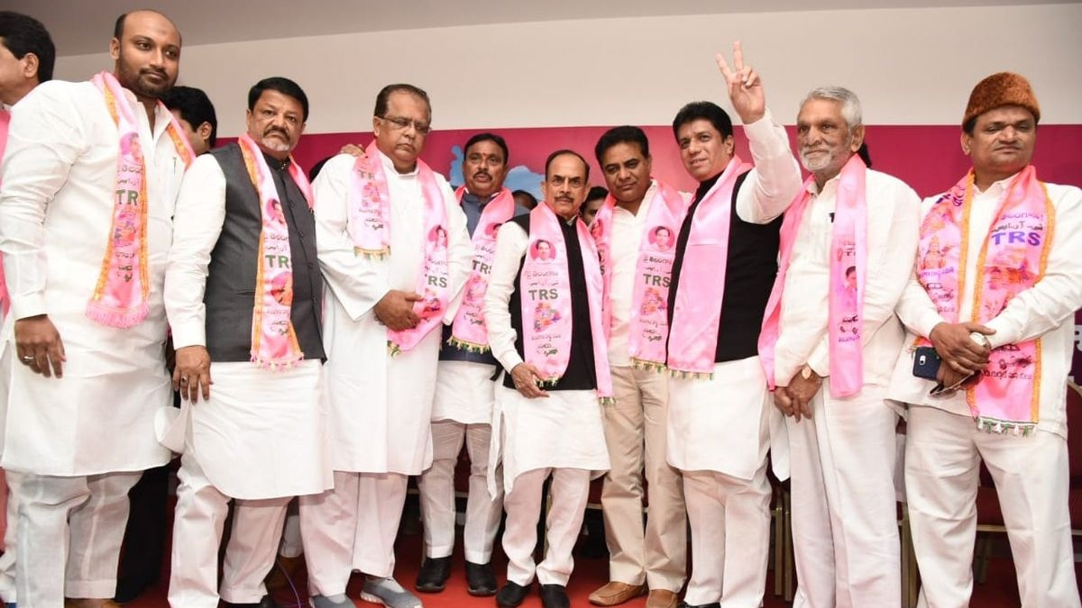 2 Muslim Leaders Quit Cong Over Ticket Distribution in Telangana