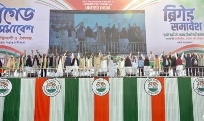 Humorous digs against BJP evoke huge applause at Bengal rally