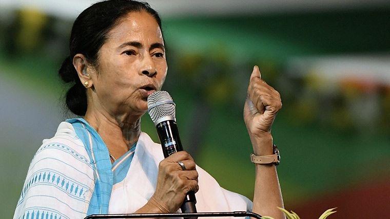 QKolkata: Mamata Prays For Peace; B'desh Girl Asked To Leave India