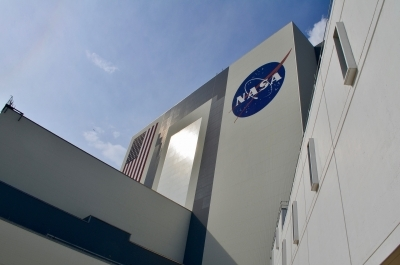 NASA picks new teams to study Moon, asteroids