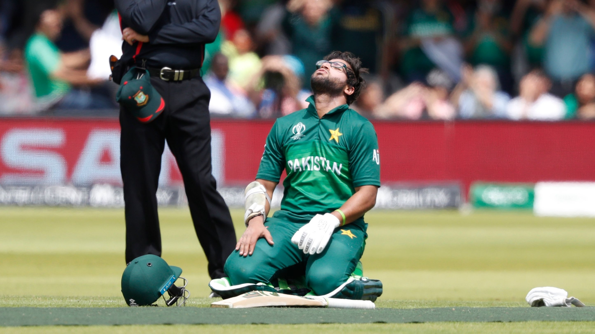 Pakistan All But Out of World Cup After Posting 315/9 v Bangladesh