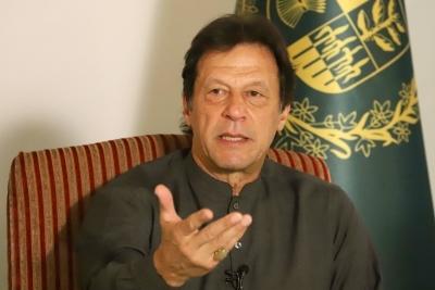 PM Imran Khan 'Niazi' faces 'go back' chants