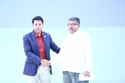 Google goes bullish on India, unveils multiple products