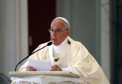 Pope Francis slams corruption, wraps up Mozambique visit