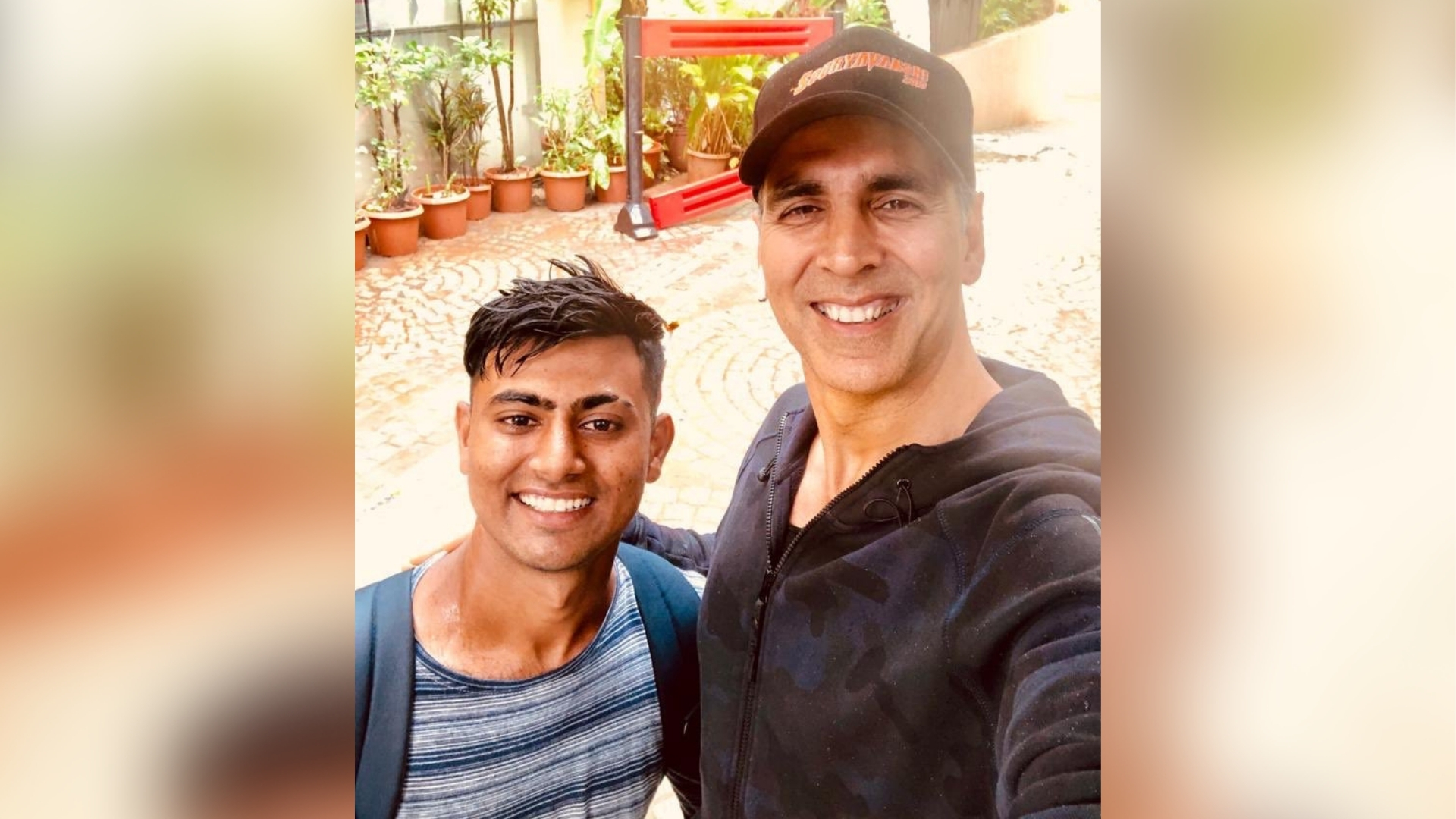 Akshay Has Special Message for Fan Who Walked 900 km to Meet Him