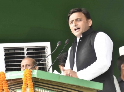 Muslim religious leader flays Akhilesh support to Azam Khan