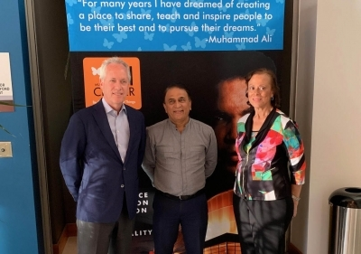 Gavaskar meets Md. Ali's wife, discuss cricket museum in Kentucky
