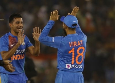 Don't know how he manages that consistency: Chahar on Kohli