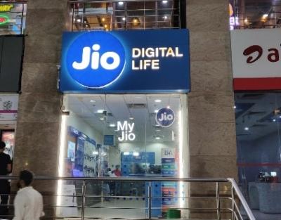 RJio tops subscription race in July; Airtel, VIL lose