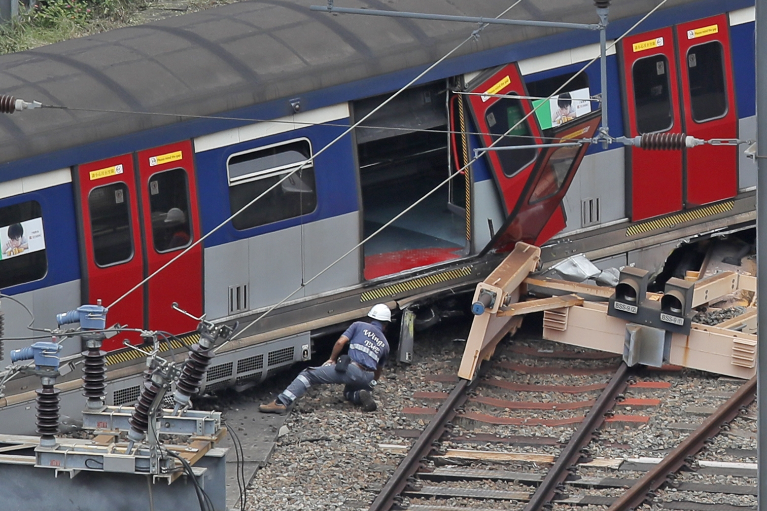 8 Injured as Passenger Train Derails In Hong Kong During Rush Hour
