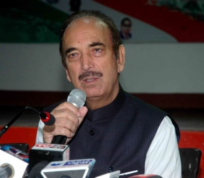 Azad moves SC over Kashmir curbs, plea to be heard on Monday