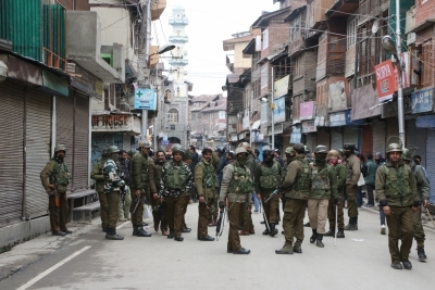 J&K: 3 Jaish men arrested with major arms consignment