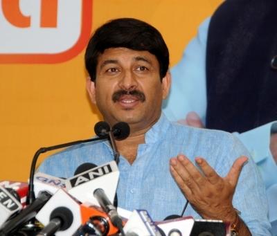 Infighting in AAP, Sisodia too may leave: Manoj Tiwari
