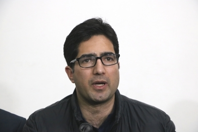 Won't seek legal aid as others deprived, Shah Faesal to HC