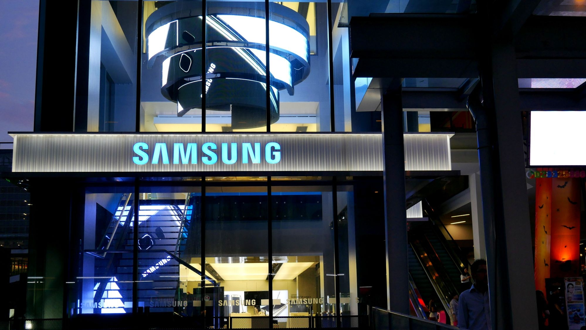 Samsung Ends Mobile Production in China; Might Pick India, Vietnam