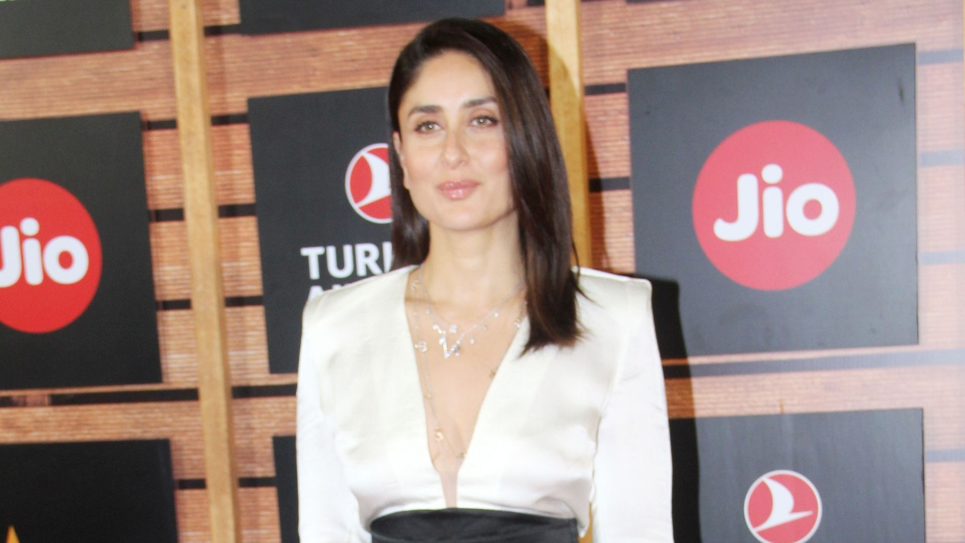 Pay Me as Much as Akshay: Kareena on Pay Disparity in Bollywood