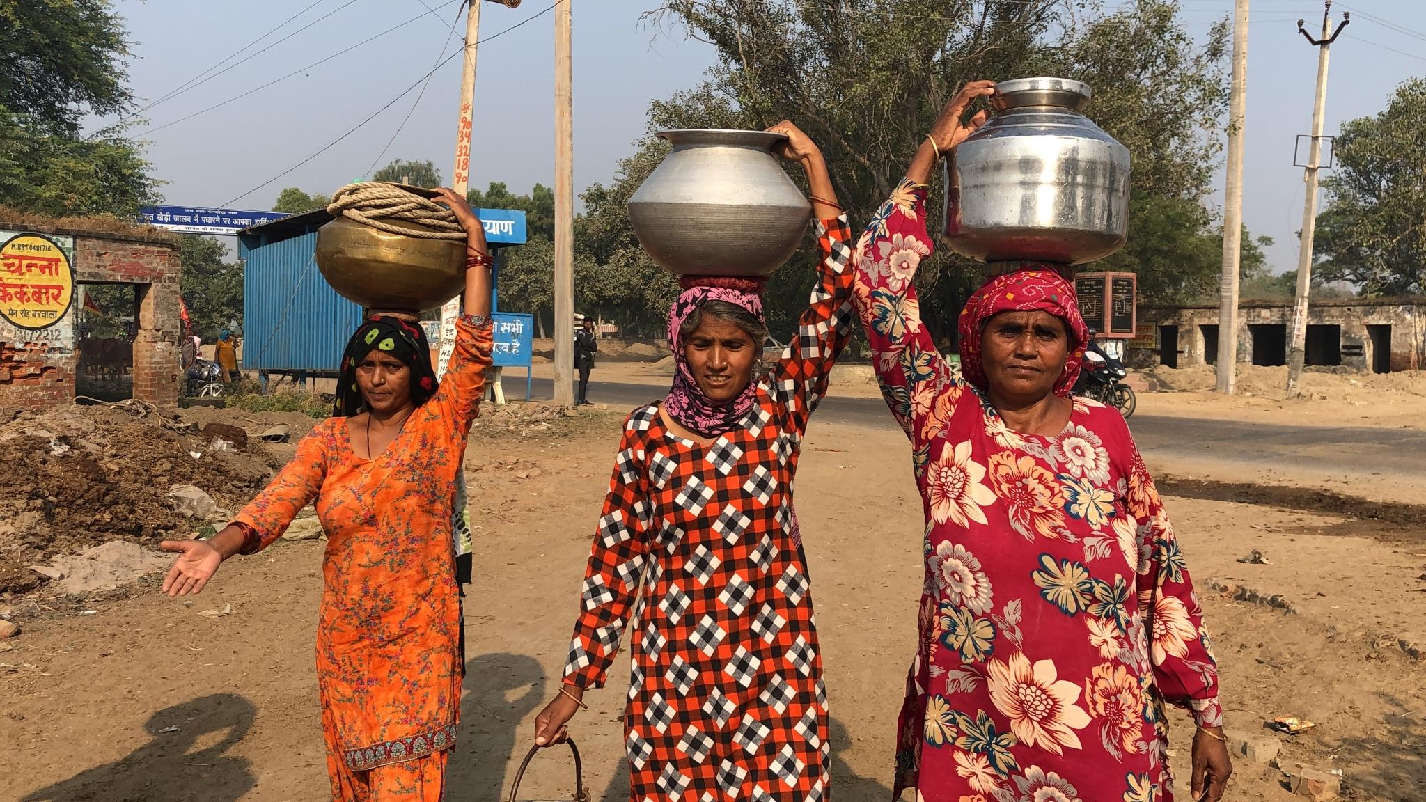 Despite Modi's 'Nal Se Jal' Mission, Women Walk Kms to Fetch Water