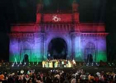 Big B pays tribute to 26/11 martyrs