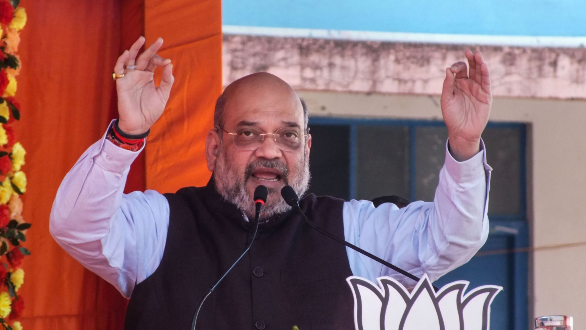 Shah Accuses Congress of Stalling Ayodhya Judgement, Kashmir Issue