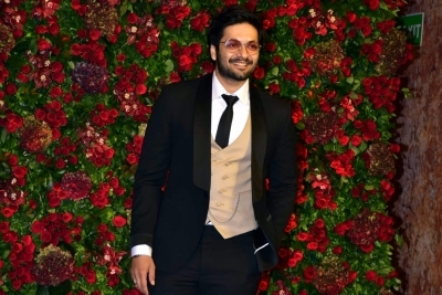 Ali Fazal's look in 'Death On The Nile' revealed